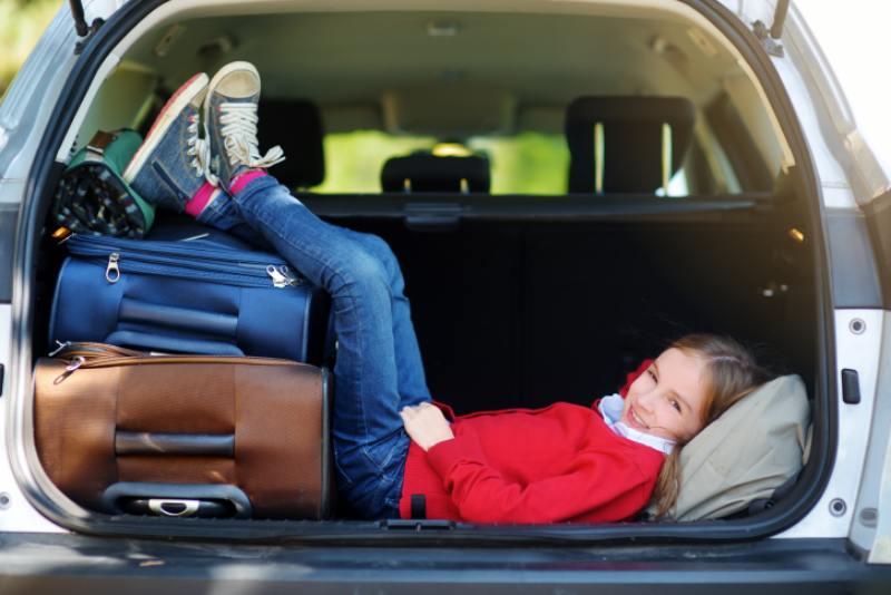 ¿Vacaciones familiares? Consejos para viajar en auto con niños
