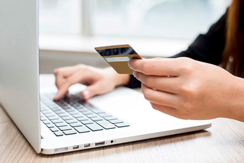 Pago de gratificaciones: ¿Cómo cuidar tus tarjetas de crédito y débito?