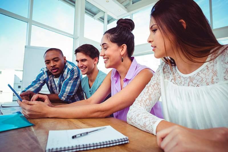 ¿Cómo ahorrar para financiar los estudios universitarios de tus hijos?